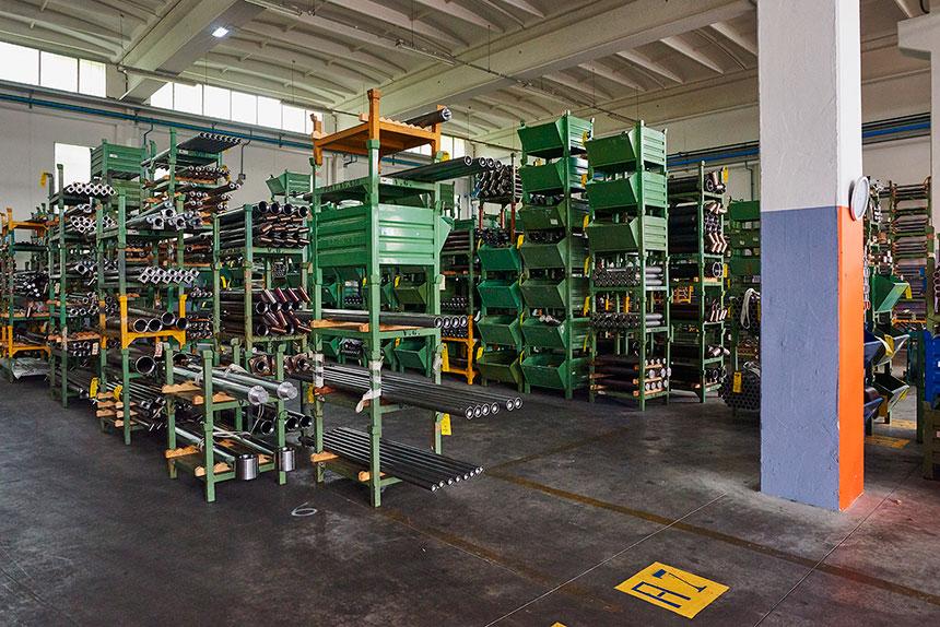 magazzino cilindri idraulici